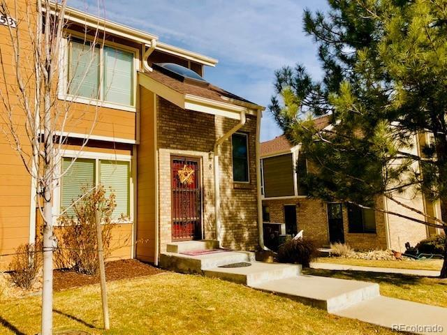 8753 W Cornell Avenue, Lakewood, CO 80227 (#8752623) :: The HomeSmiths Team - Keller Williams