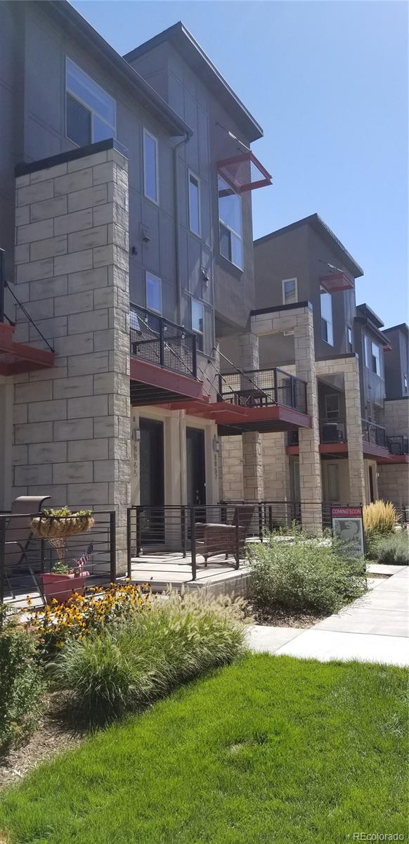 8865 E 55th Avenue, Denver, CO 80238 (#9088832) :: The Peak Properties Group