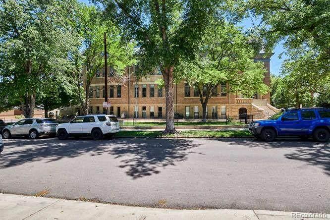 1140 Columbine Street - Photo 1