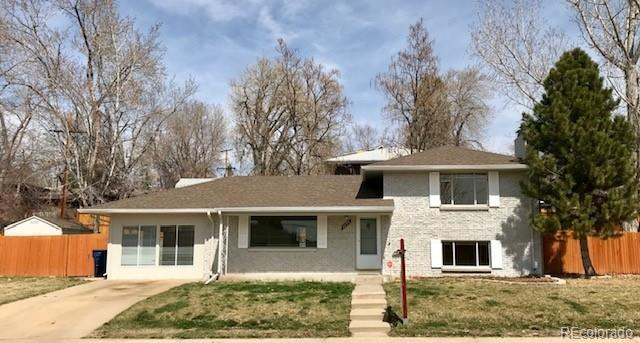7755 W 62nd Place, Arvada, CO 80004 (#2848022) :: The Peak Properties Group