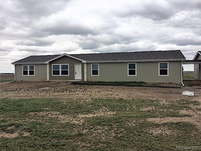 7074 County Road 37, Fort Lupton, CO 80621 (#3441549) :: The Tamborra Team