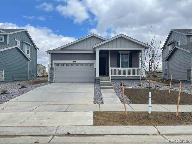 9482 Salida Street, Commerce City, CO 80022 (#4003164) :: The Harling Team @ HomeSmart