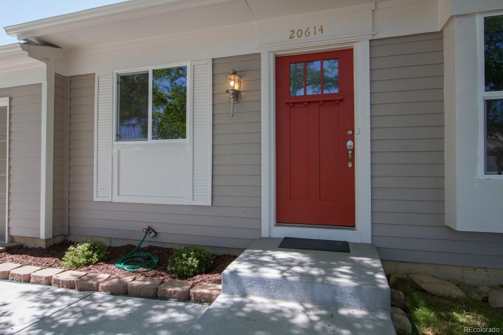 20614 Coolidge Place - Photo 1