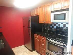4600 E Asbury Circle #401, Denver, CO 80222 (#7560369) :: 5281 Exclusive Homes Realty