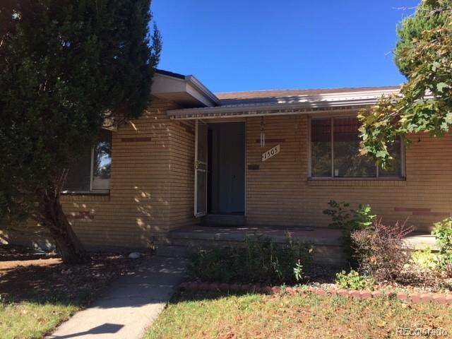 1505 S Fenton Street, Lakewood, CO 80232 (#8429241) :: The Galo Garrido Group