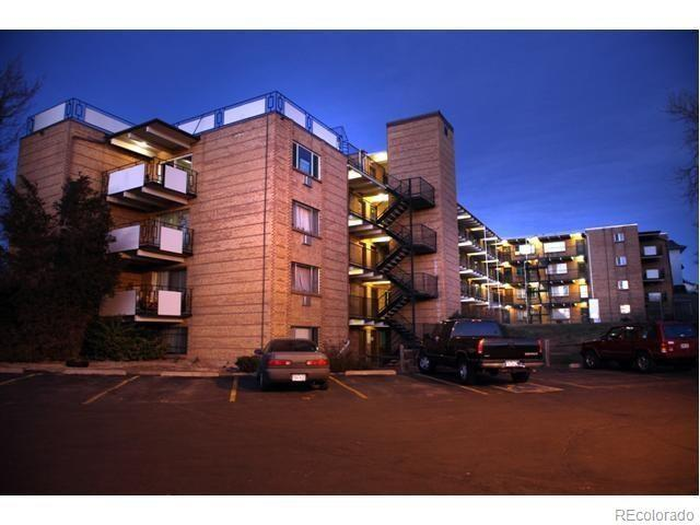 800 W Belleview Avenue #205, Englewood, CO 80110 (#5770518) :: The Dixon Group