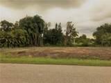 8411 Riverside Drive - Photo 17