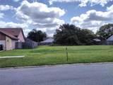 2253 Amberly Avenue - Photo 4
