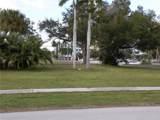 639 Hargreaves Avenue - Photo 2