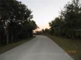 7019 Treadway Road - Photo 6