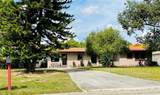 105 Leslie Avenue - Photo 1