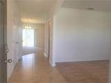 272 St. Georges Circle - Photo 4