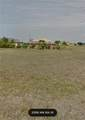 611 32ND Place - Photo 1