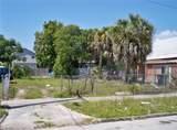 2105 Chestnut Street - Photo 2