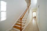 300 Newbury Place - Photo 2