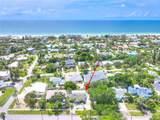 744 Bay Esplanade - Photo 2