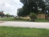 13817 Mission Oaks Boulevard - Photo 2