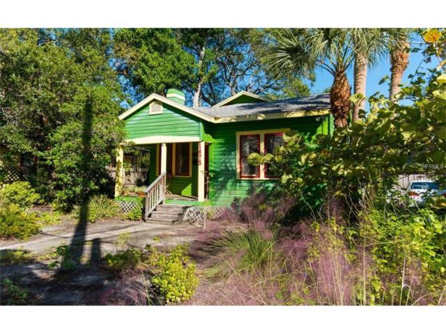 1675 Oak Street, Sarasota, FL 34236 (MLS #A4200771) :: McConnell and Associates