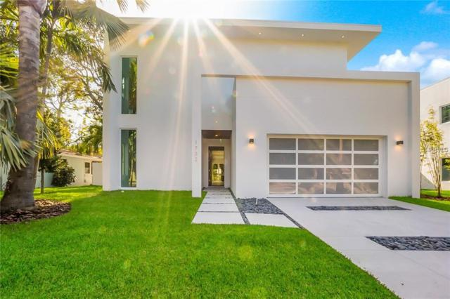 1732 Shoreland Drive, Sarasota, FL 34239 (MLS #A4207686) :: Zarghami Group