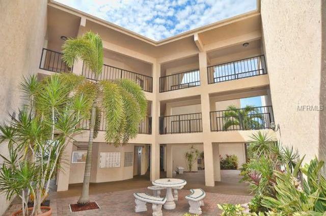 612 Bird Bay Drive S 215CAR, Venice, FL 34285 (MLS #A4421163) :: KELLER WILLIAMS CLASSIC VI