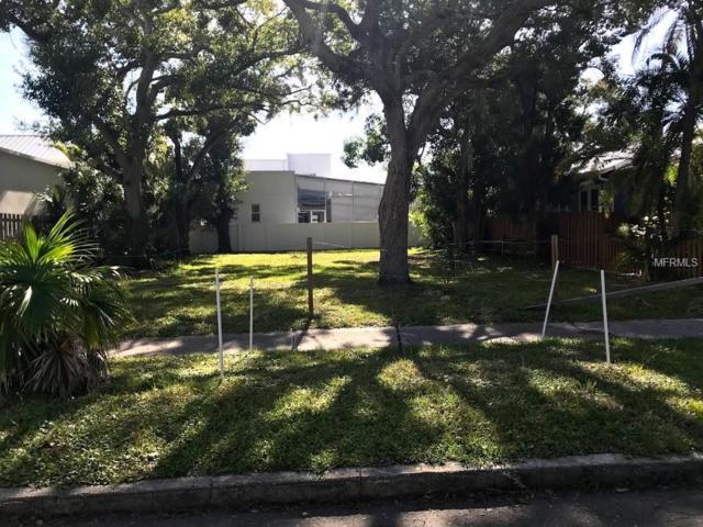 1680 Oak Street, Sarasota, FL 34236 (MLS #A4424113) :: Zarghami Group