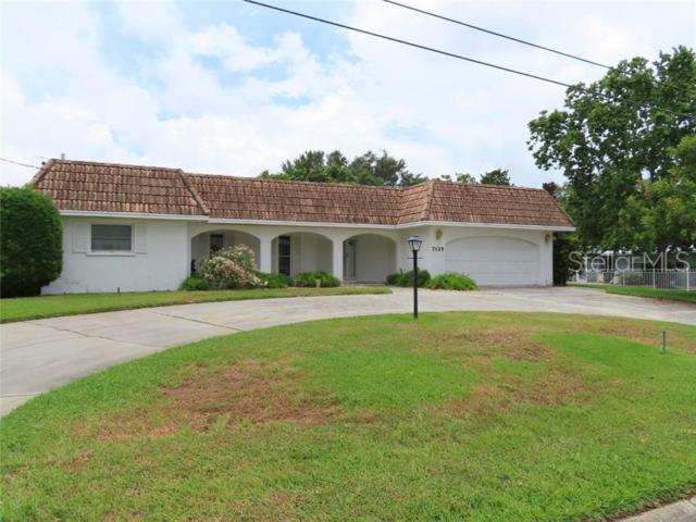 7125 Westmoreland Drive, Sarasota, FL 34243 (MLS #A4438358) :: The Duncan Duo Team