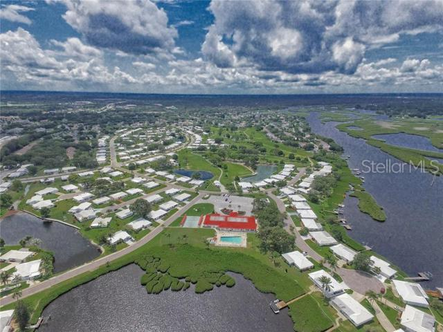 4307 Chinaberry Circle, Bradenton, FL 34208 (MLS #A4439697) :: The Comerford Group