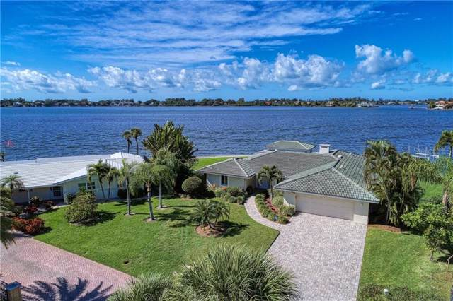 7692 Cove Terrace, Sarasota, FL 34231 (MLS #A4451863) :: EXIT King Realty