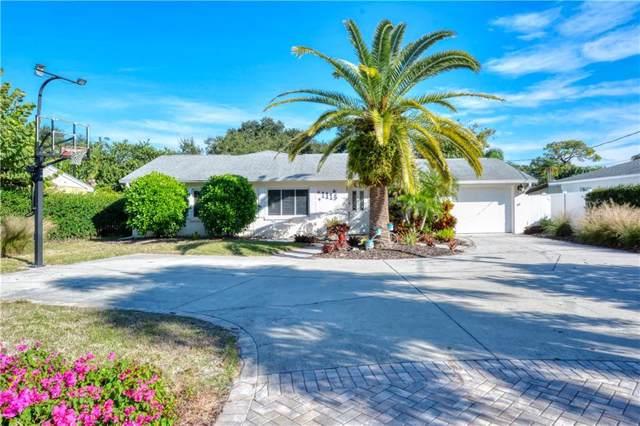 1113 Riviera Street, Venice, FL 34285 (MLS #A4452258) :: Team Bohannon Keller Williams, Tampa Properties