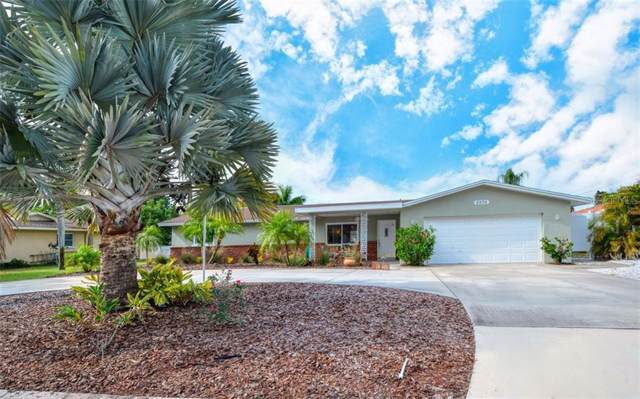 5536 Waneta Place, Sarasota, FL 34231 (MLS #A4453405) :: Lovitch Realty Group, LLC