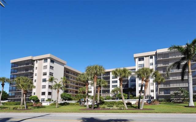 1001 Benjamin Franklin Drive Ph4, Sarasota, FL 34236 (MLS #A4453463) :: The Duncan Duo Team