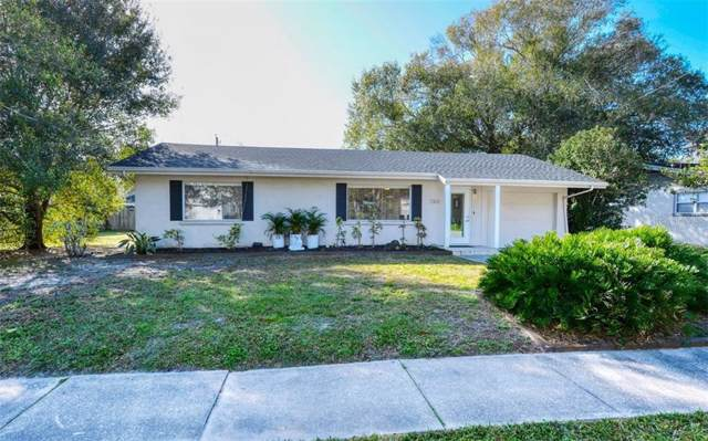 2302 Hyde Park Street, Sarasota, FL 34239 (MLS #A4456222) :: McConnell and Associates
