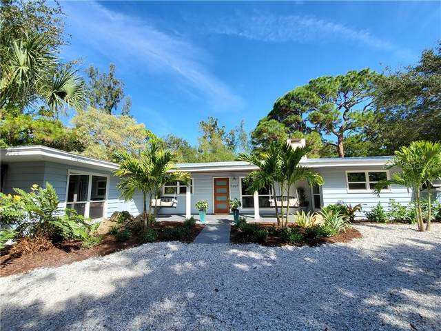 7207 Pine Needle Road, Sarasota, FL 34242 (MLS #A4459028) :: Delta Realty Int