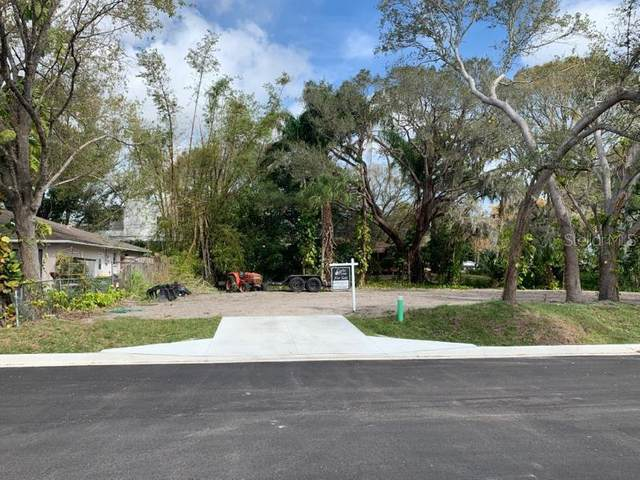 2577 Temple Street, Sarasota, FL 34239 (MLS #A4459605) :: The Paxton Group