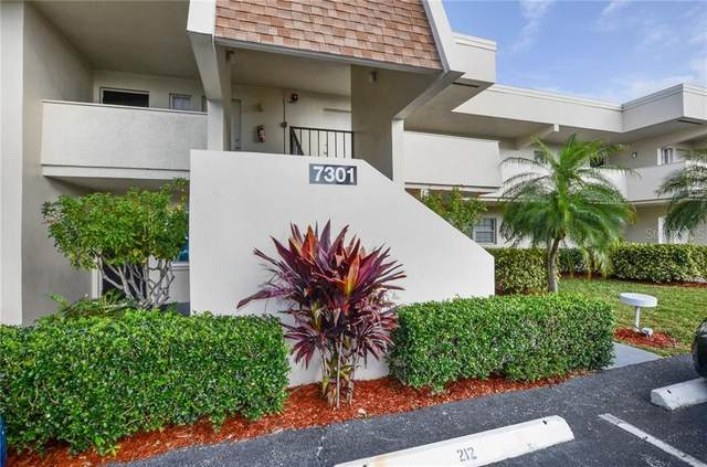 7301 W Country Club Drive N #212, Sarasota, FL 34243 (MLS #A4460046) :: The Paxton Group