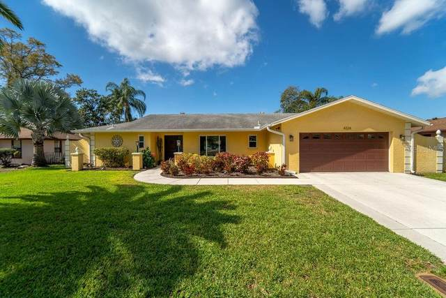 4324 Pasadena Circle, Sarasota, FL 34233 (MLS #A4460142) :: The Duncan Duo Team