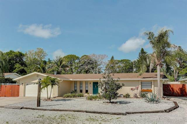 1720 82ND Street NW, Bradenton, FL 34209 (MLS #A4463479) :: The Paxton Group