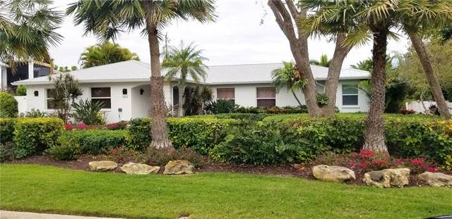 1252 Center Place, Sarasota, FL 34236 (MLS #A4463537) :: The Paxton Group