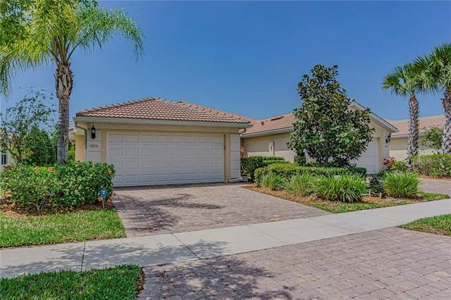 5915 Guarino Drive, Sarasota, FL 34238 (MLS #A4464142) :: Alpha Equity Team