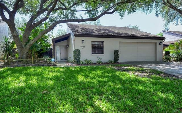 3924 Glen Oaks Manor Drive, Sarasota, FL 34232 (MLS #A4466231) :: The Duncan Duo Team