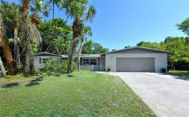 5377 Shadow Lawn Drive, Sarasota, FL 34242 (MLS #A4468333) :: Keller Williams Realty Peace River Partners