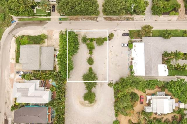 4305 2ND Avenue, Holmes Beach, FL 34217 (MLS #A4469022) :: Lucido Global of Keller Williams