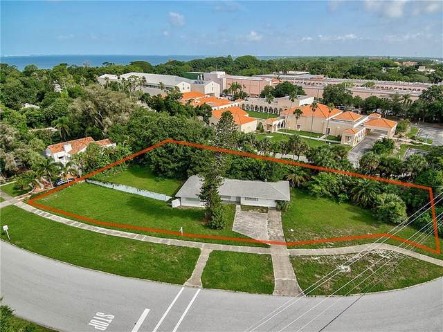 575 N Shore Drive, Sarasota, FL 34234 (MLS #A4469500) :: Rabell Realty Group
