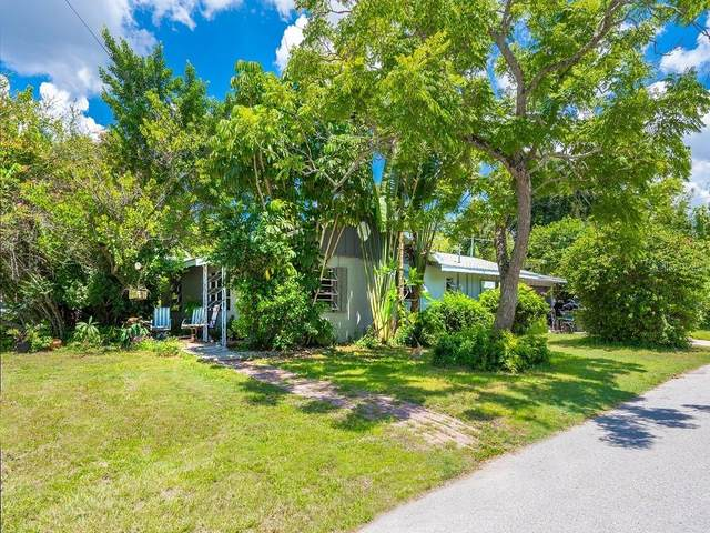2202 Waldemere Street, Sarasota, FL 34239 (MLS #A4469529) :: McConnell and Associates