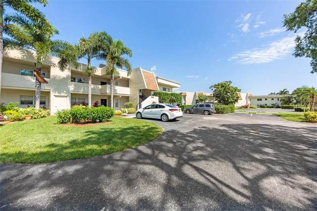 7133 W Country Club Drive N #250, Sarasota, FL 34243 (MLS #A4469567) :: Your Florida House Team
