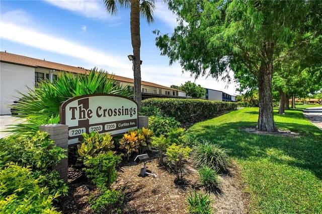 7201 Curtiss Avenue 2C, Sarasota, FL 34231 (MLS #A4470176) :: Delta Realty, Int'l.