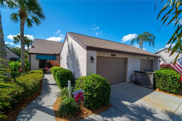 5926 Clubside Drive, Sarasota, FL 34243 (MLS #A4471123) :: Heart & Home Group