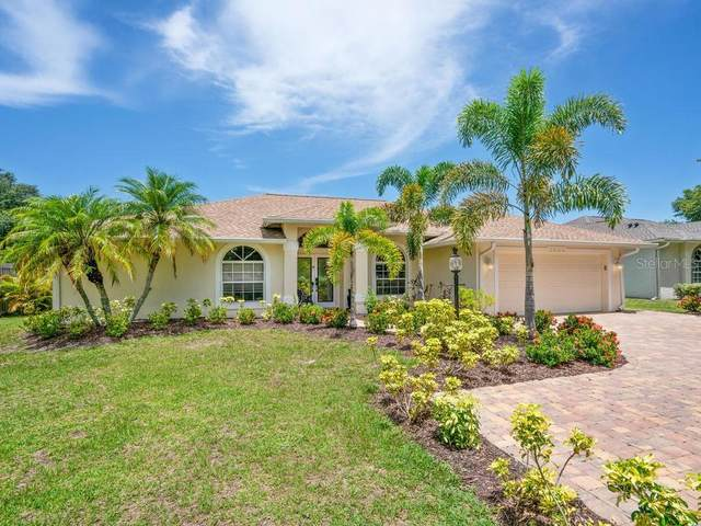 5698 Country Walk Lane, Sarasota, FL 34233 (MLS #A4471282) :: Griffin Group