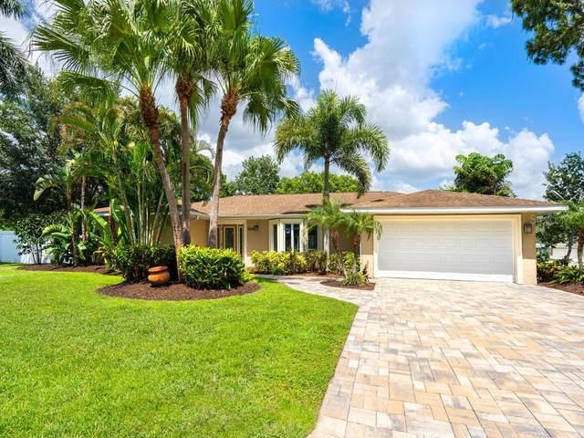 5009 Inverness Drive, Sarasota, FL 34243 (MLS #A4474202) :: Medway Realty