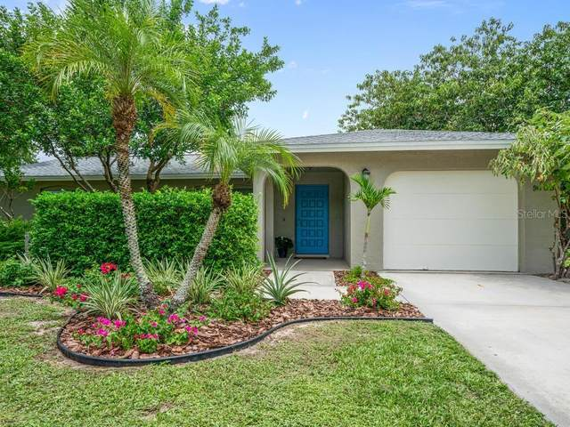 5705 Whistlewood Circle, Sarasota, FL 34232 (MLS #A4475144) :: Team Buky